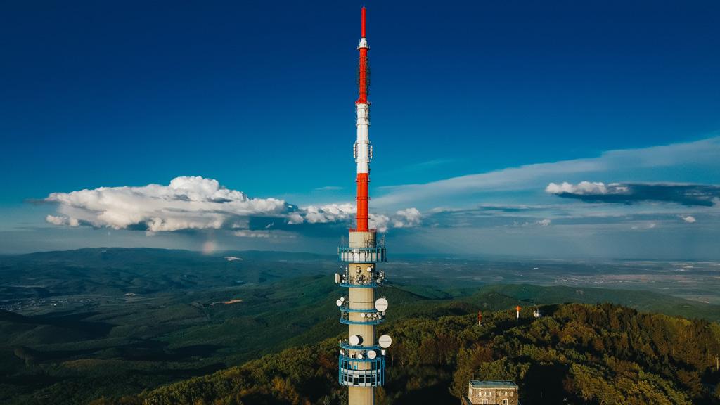 A Kékes, Magyarország legmagasabb hegye a Mátrában. Az utóbbi hétvégéken tumultus volt a csúcson / Fotó: Unsplash