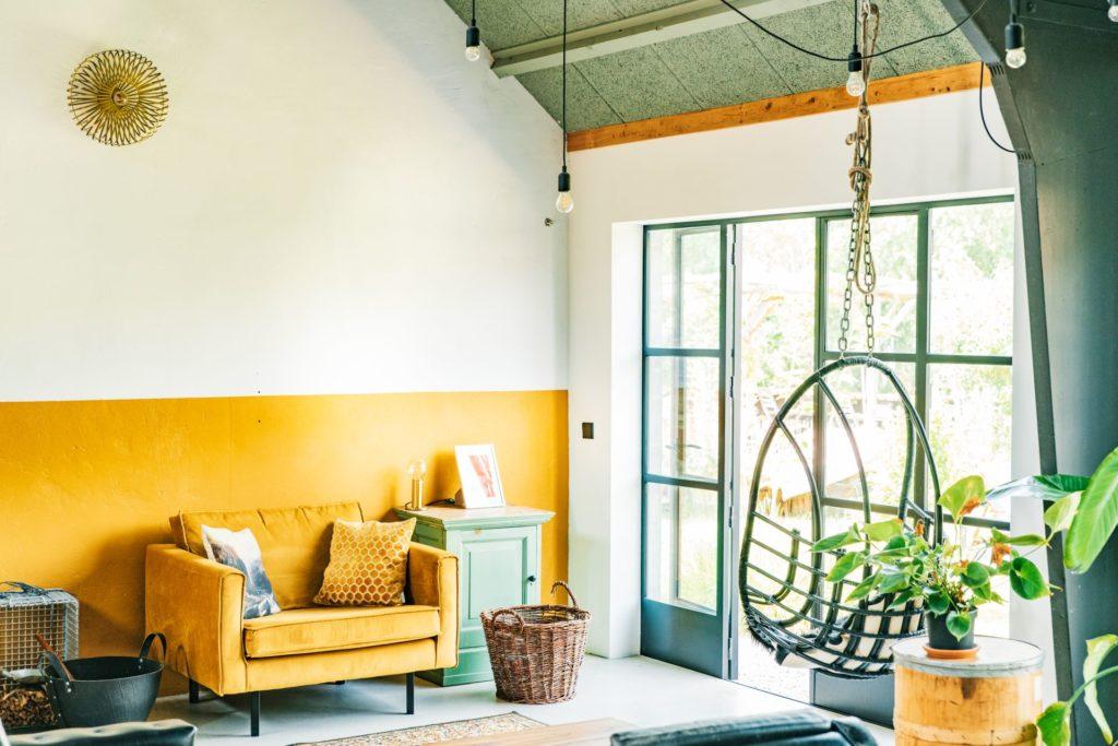 Egy kis élénk sárga szín csodásan feldobhatja otthonunkat