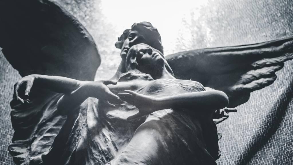angyal arkangyal szobrok