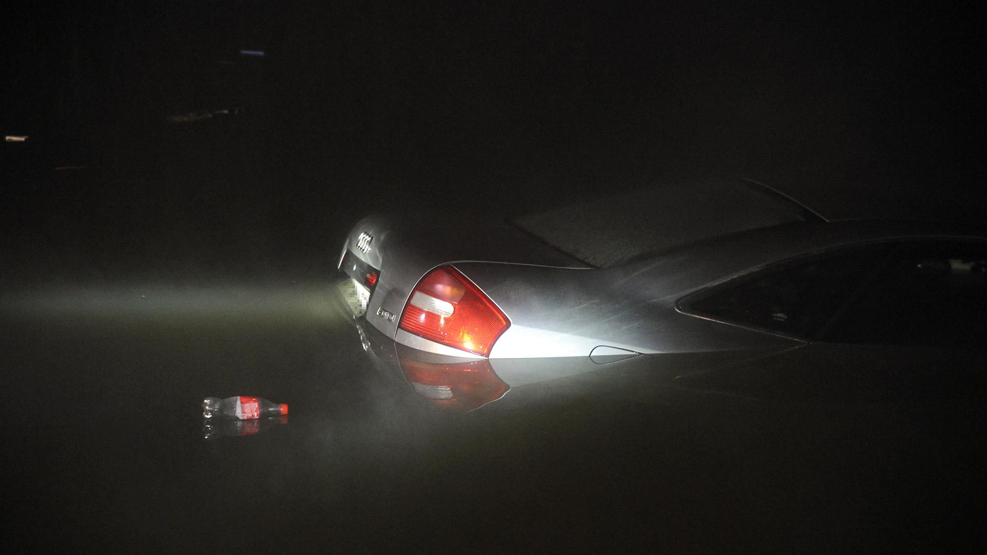 A GPS miatt hajtott a Dunába a fiatal autós