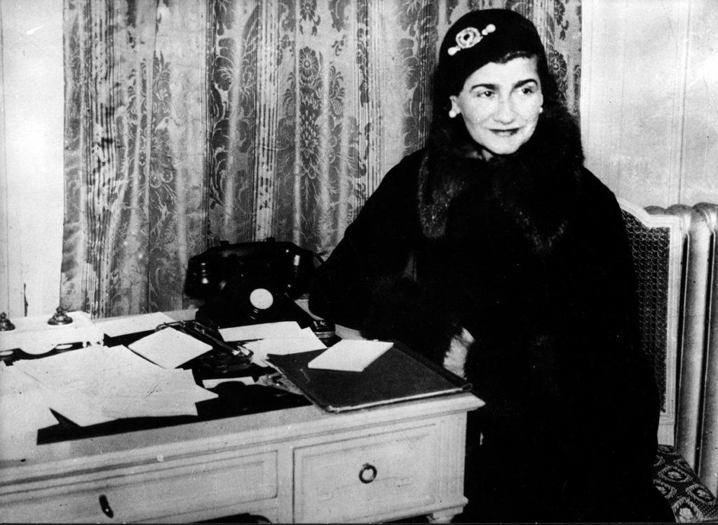 Coco Chanel londoni útján 1932-ben.