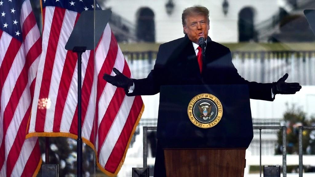 Donald Trump megígérte, átadja a hatalmat