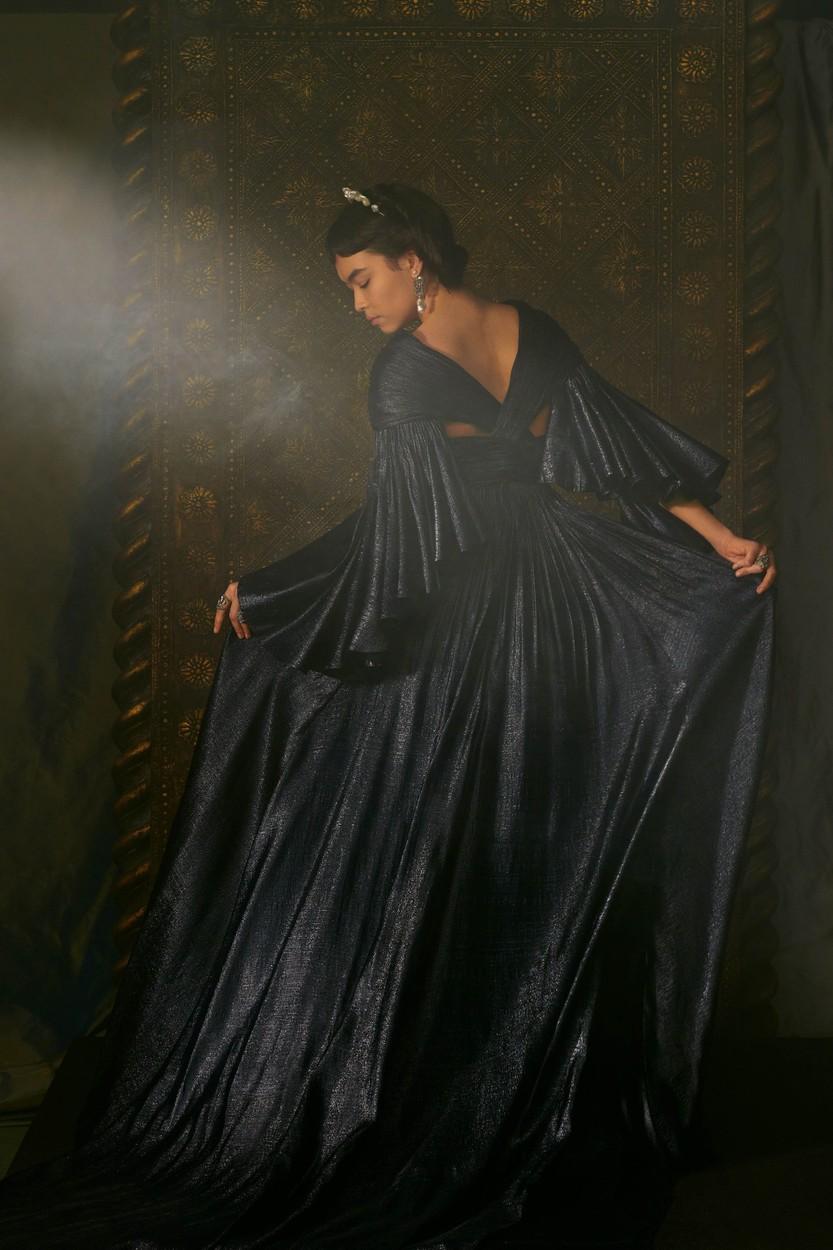 Dior haute couture 2021 tavasz-nyár sötétkék estélyi ruha