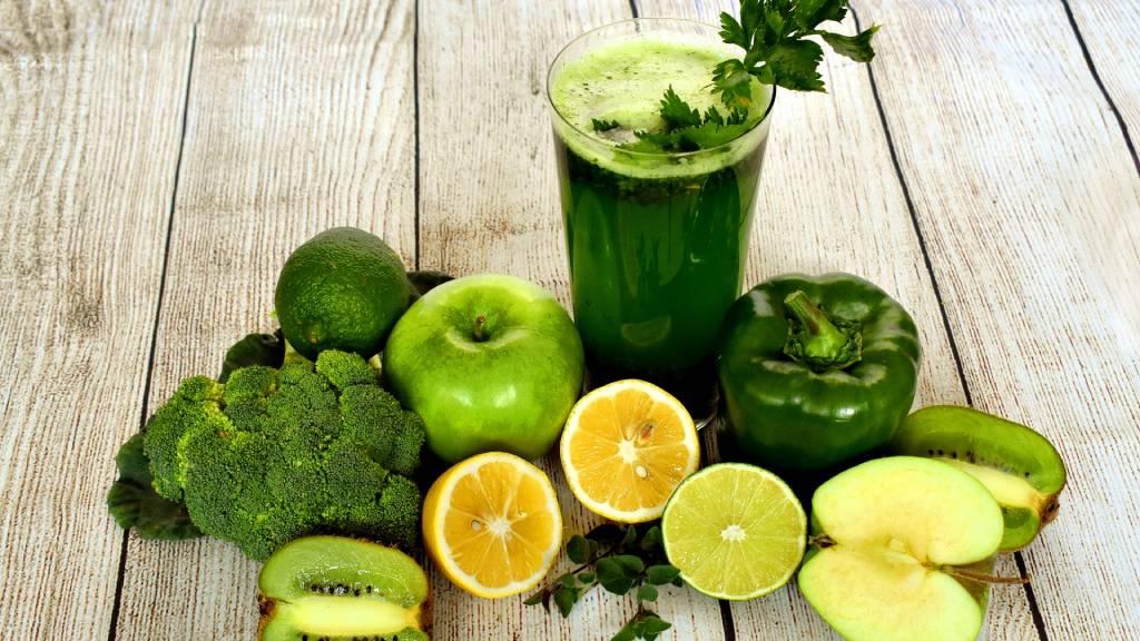 zöld gyümölcsök zöldségek turmix