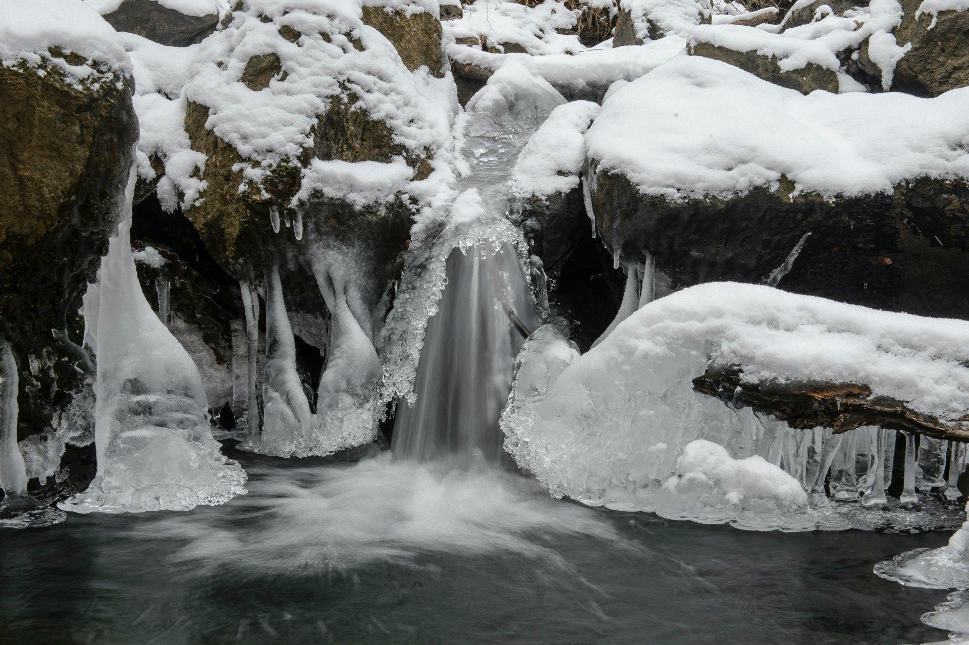 Fagyos vízesés Parádfürdőn