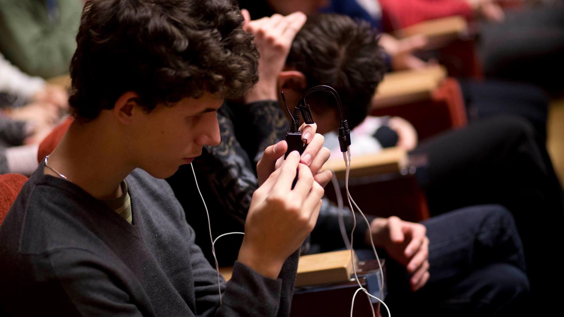 Sokkal több audionarrátorra lenne szüksége Magyarországnak