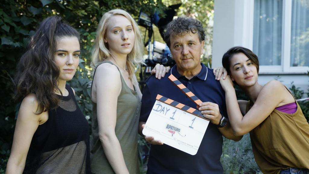 Az Apatigris 2 forgatása tavaly nyáron volt: Michl Juli, Rujder Vivien, Scherer Péter és Schmidt Sára is visszatér a következő évadra (Fotó: Sajtóklub)