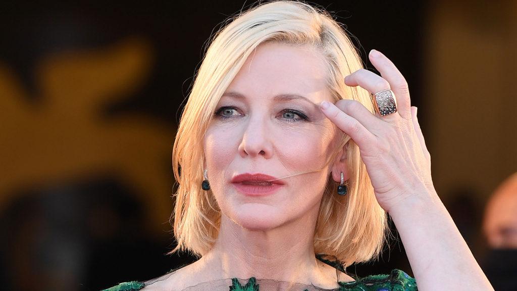 Cate Blanchett mellett Jamie Lee Curtis is beszállt a Csernobil írójának új filmjébe