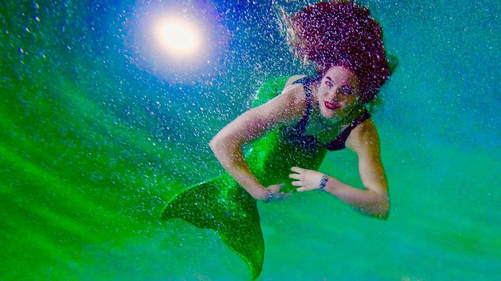 sellőlány a víz alatt