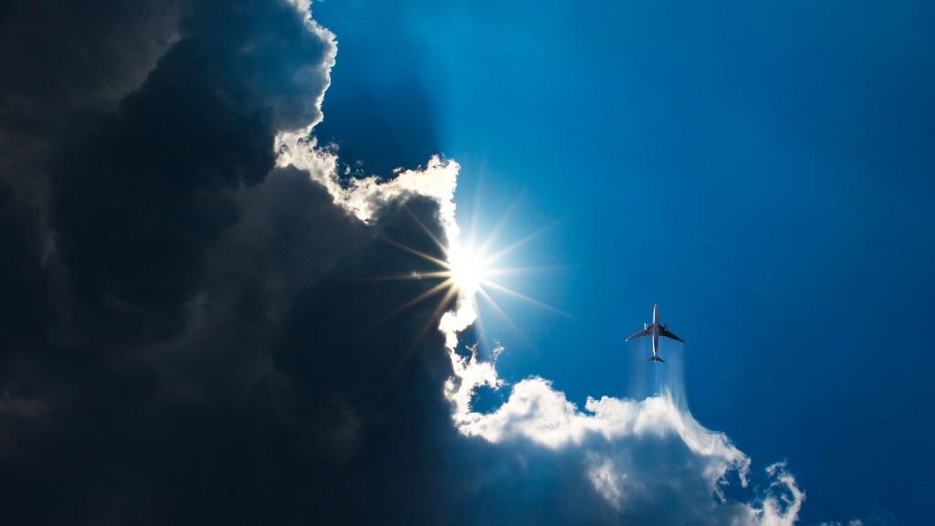 Felhős-napos égbolt (fotó: Pixabay)