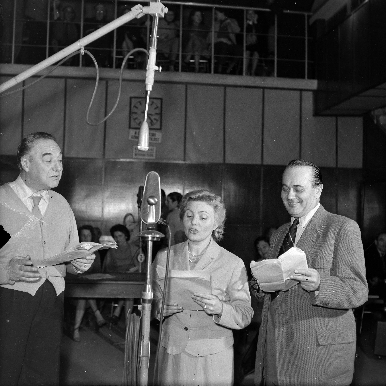 Bilicsi Tivadar, Zentai Anna és Fekete Pál a Magyar Rádió 1-es stúdiójában (fotó: Fortepan / Szalay Zoltán)