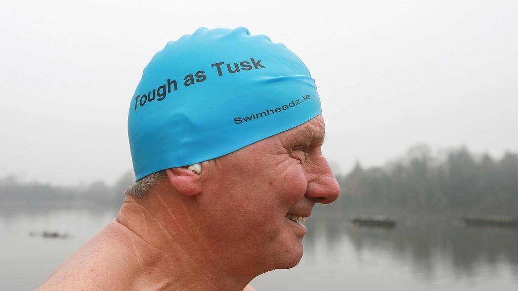 Ő a világ legidősebb embere, aki mérföldeket úszott a jeges vízben