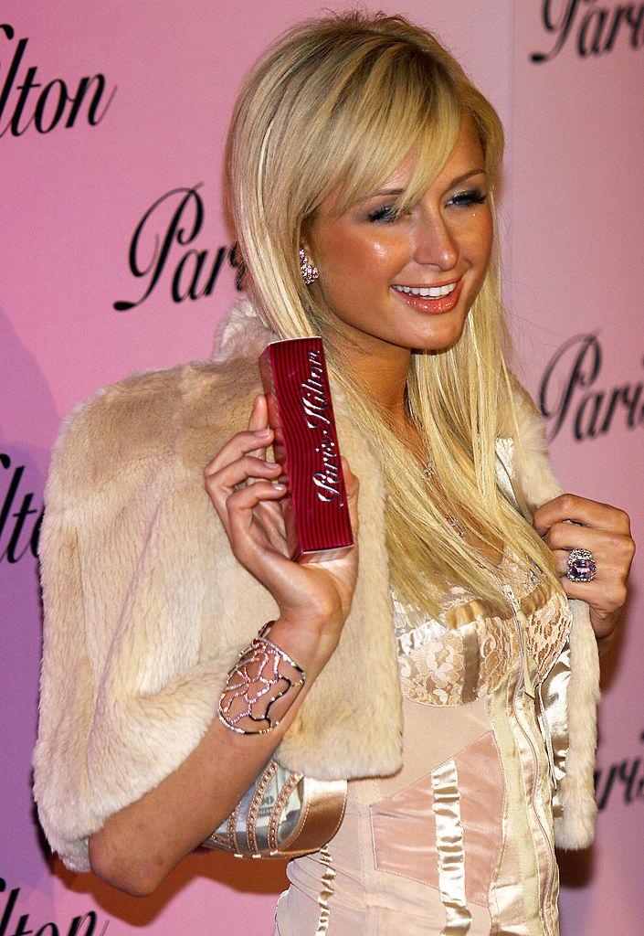 2004 decemberében, új illatának bemutatóján