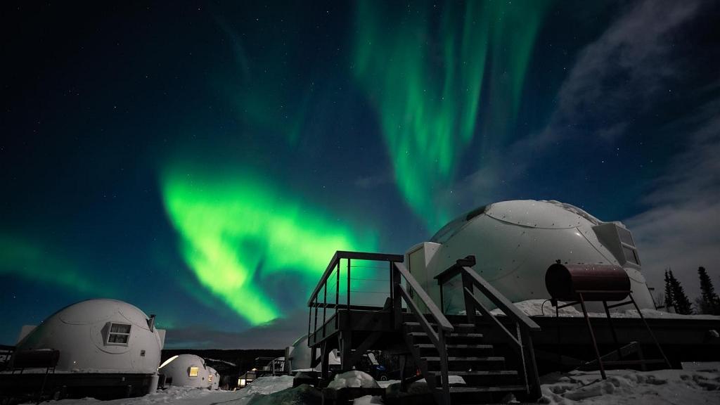 Borealis Basecamp északi fény