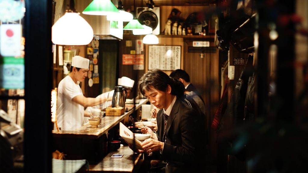 Egyedül ivós kocsma nyit Japánban