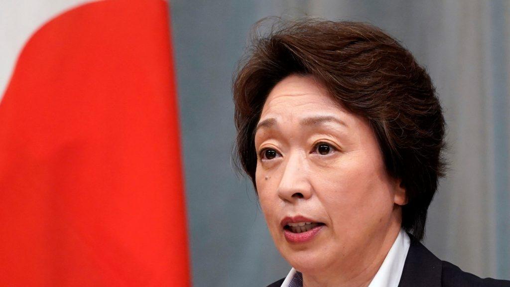 Hasimoto Szeiko, a tokiói olimpia és paralimpai ügyében illetékes miniszter sajtóértekezlete a tokiói kormányfői rezidencián 2020. szeptember 16-án, miután Szuga Josihide vezetésével megalakult az új japán kormány. (Fotó:MTI/EPA/Franck Robichon)