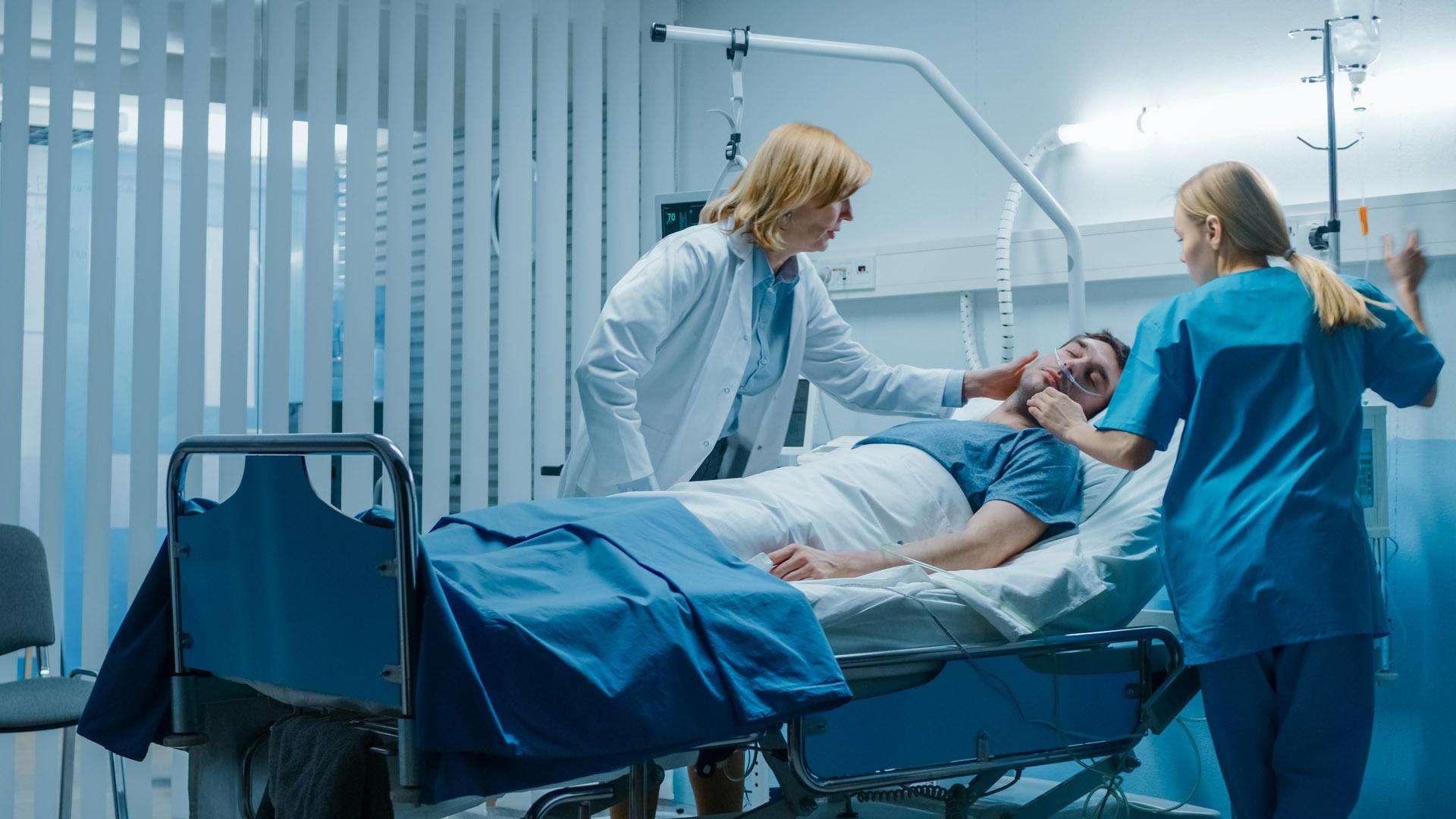 kóma, kórház