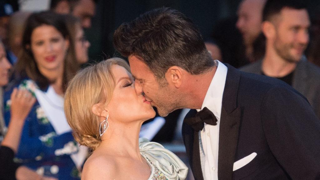 Megkérték Kylie Minogue kezét