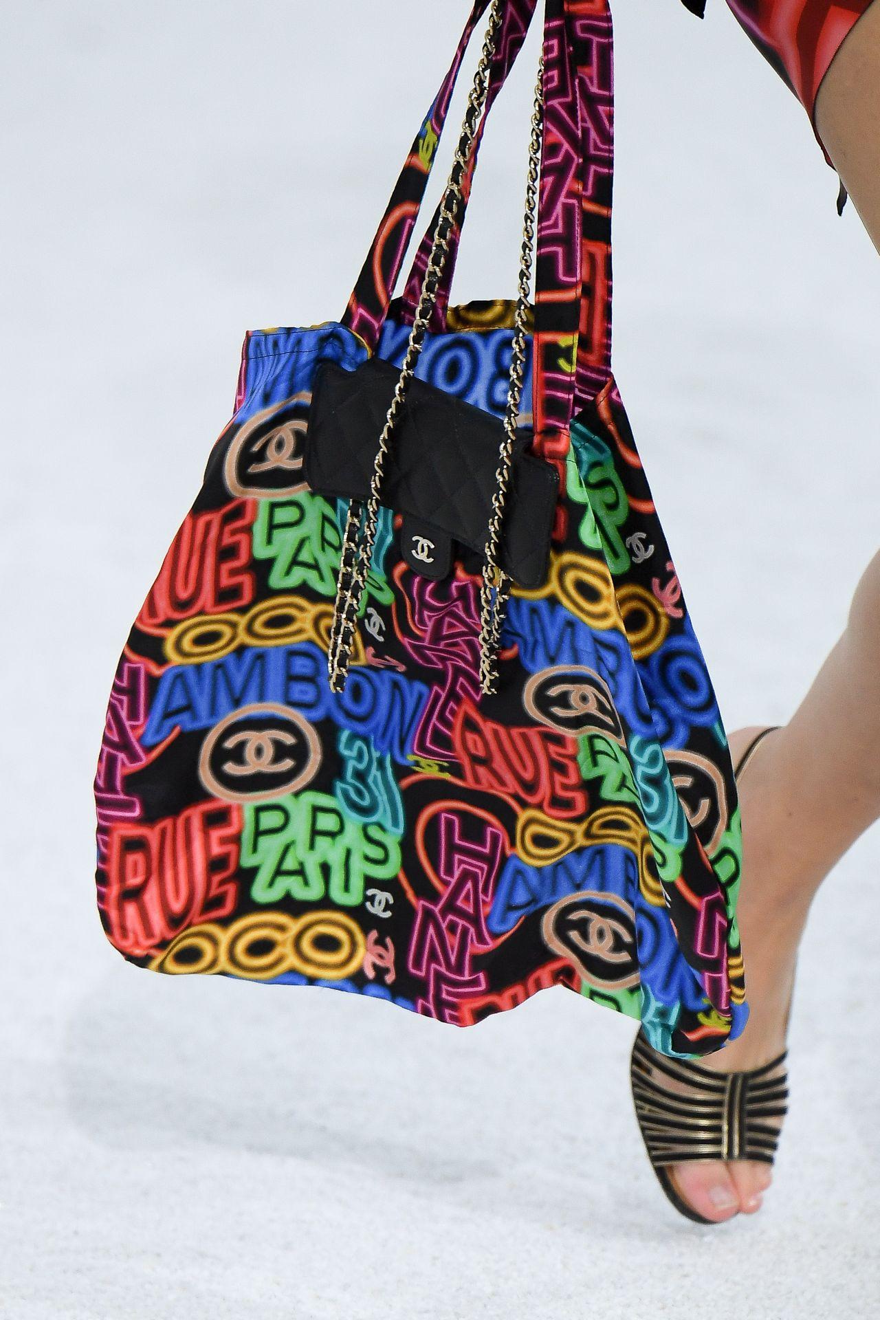 láncos táska Chanel