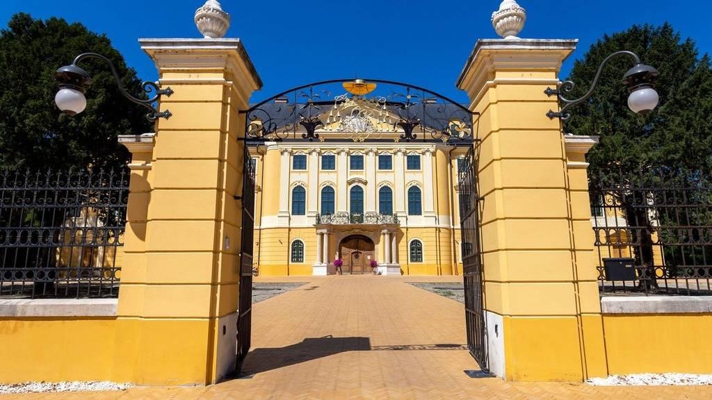 Kalocsa érseki palota