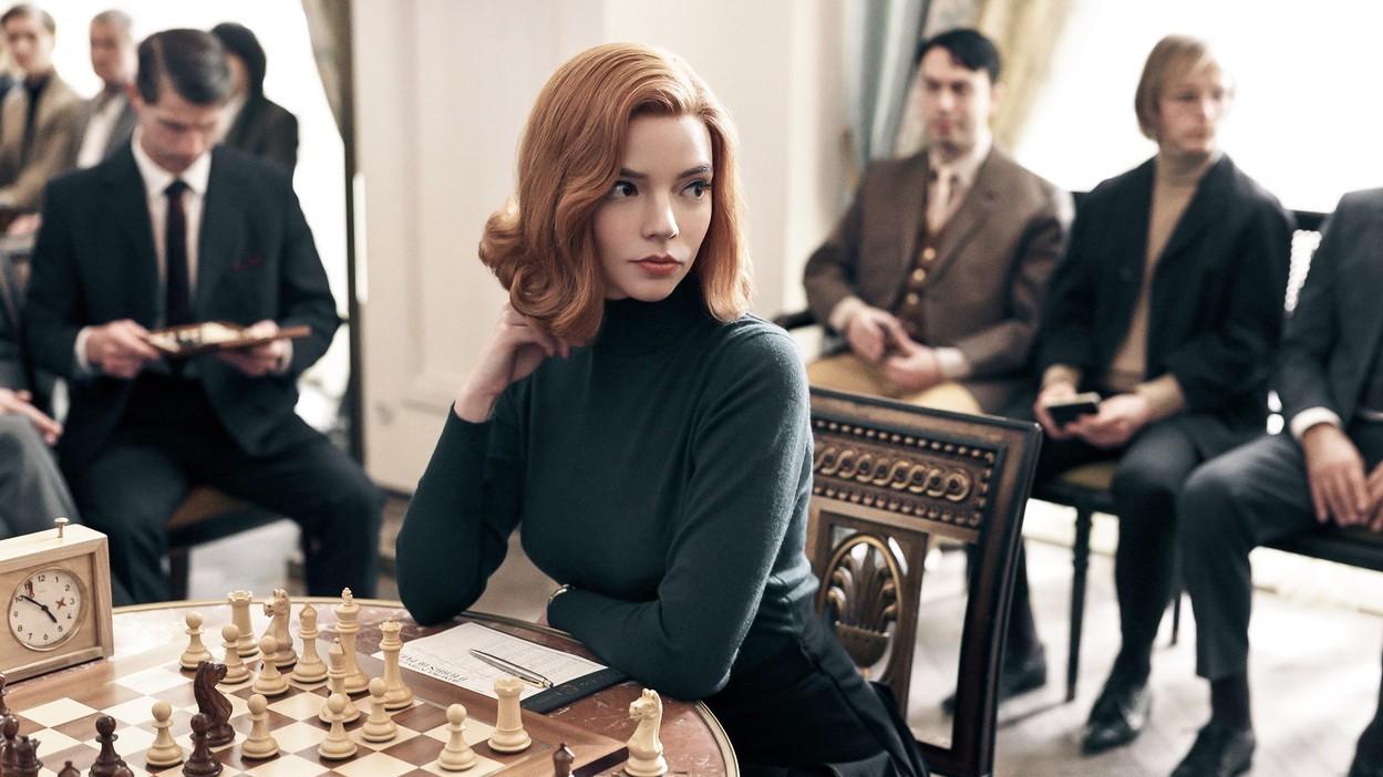 Anya Taylor-Joy mint Beth Harmon A vezércsel című sorozatban.
