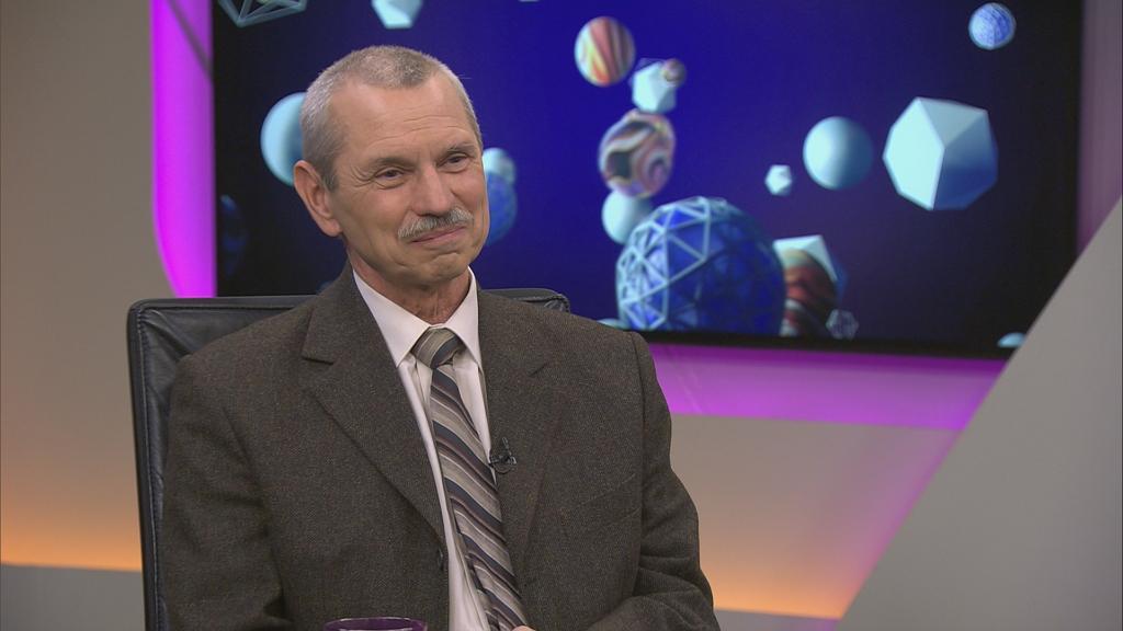 Dr. Rusnyai Miklós vírusszakértő portréja