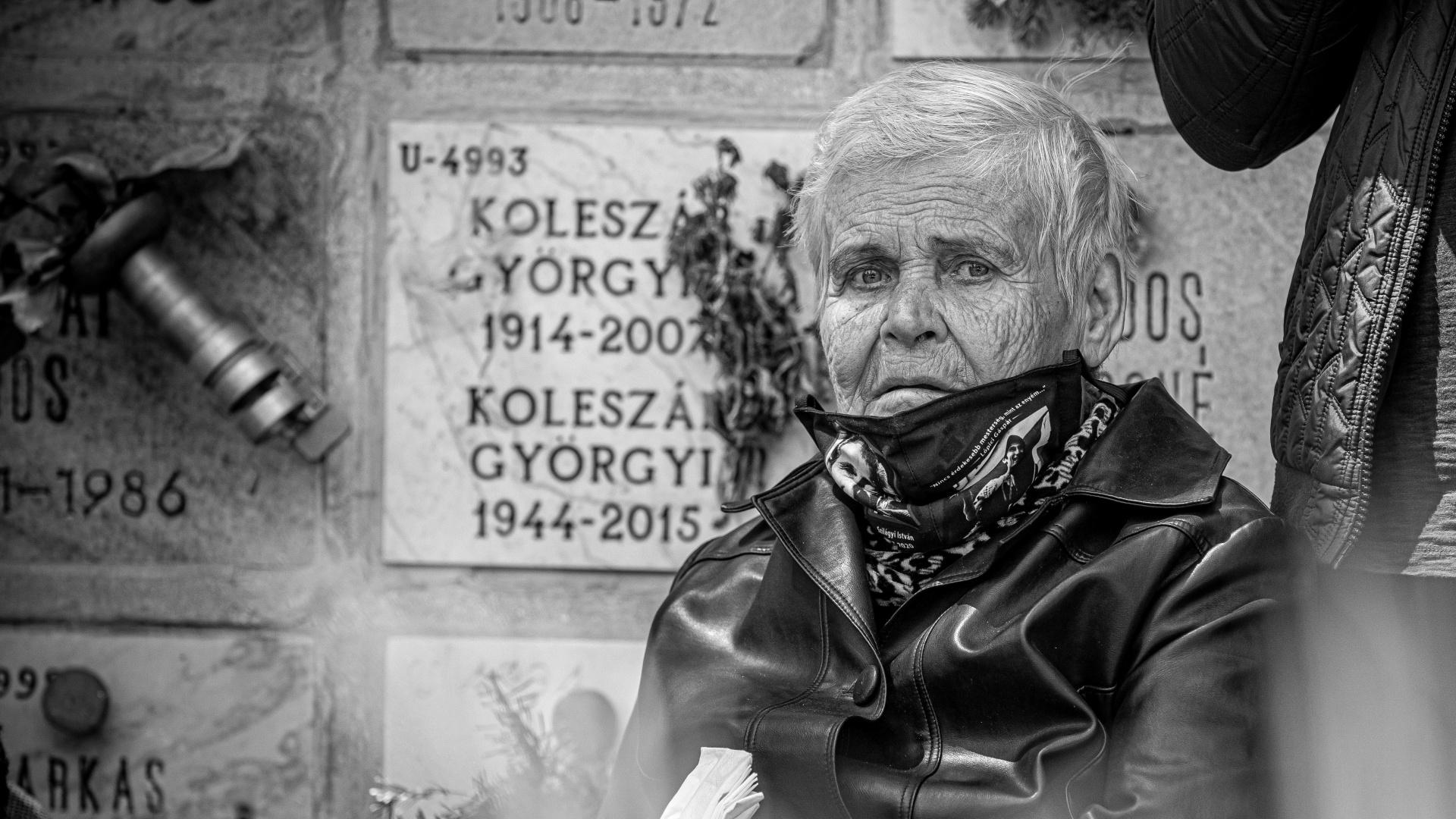 Meghalt Szilágyi István özvegye, Jolika néni