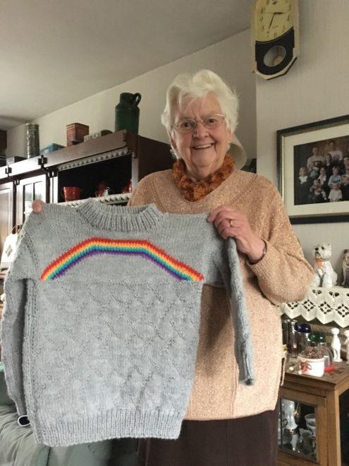 nagymama, pulcsi