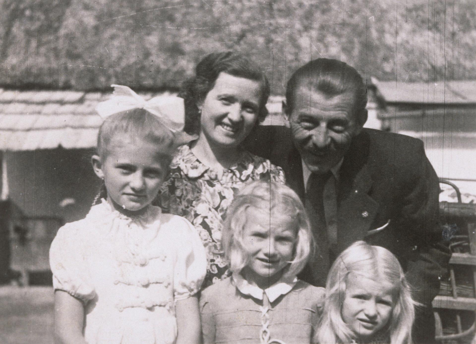 Törőcsik Mari szülei és testvérei (Forrás: a színésznő archívumából)