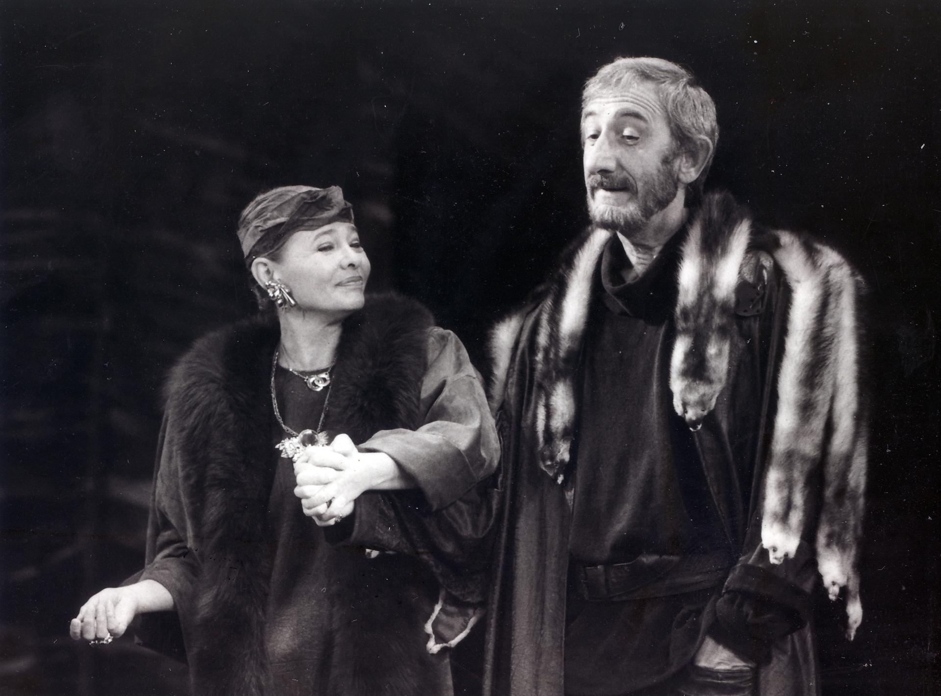 Az oroszlán télen című színdarab bemutatóján a budapesti József Attila Színházban (Fotó: Smag Archívum)