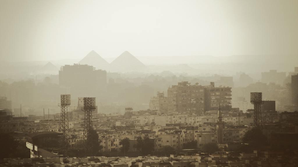 Összedőlt romos épület Kairóban