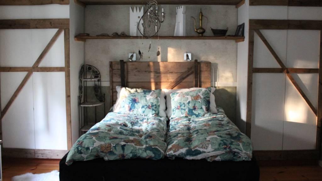 hálószoba szép ágytámla