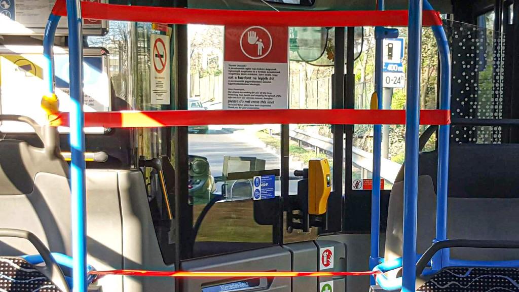 Kordonozott BKV busz még tavaly márciusból (fotó: MTVA/Bizományosi: Róka László)