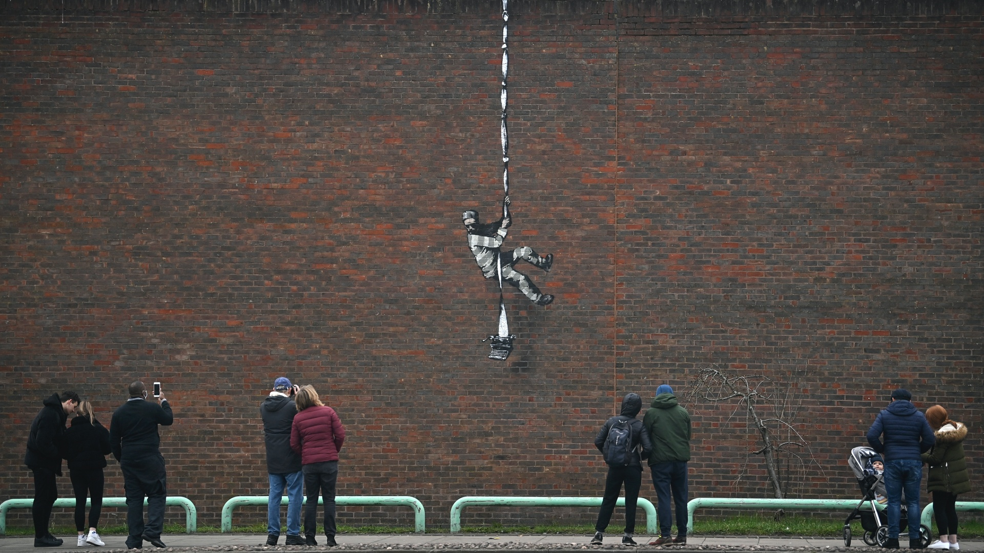 Banksy-graffity a readingi börtön falán