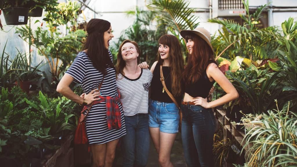négy barátnő
