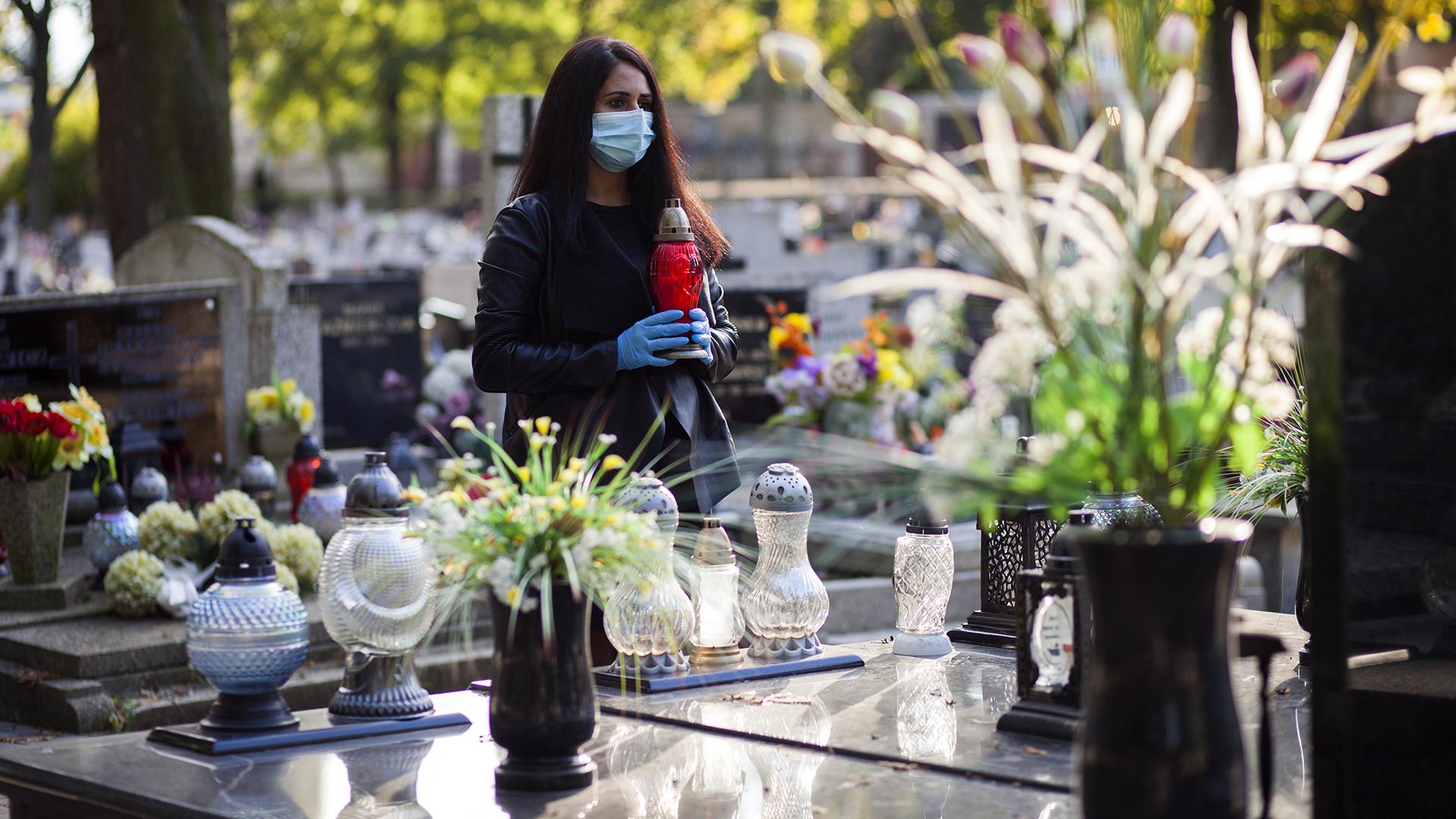 Csak ezen a héten 43 szertartást rendez egyetlen temetkezési cég