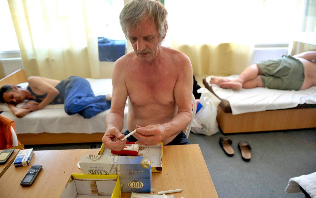 """""""Nyugdíjas koromig itt fogok lakni"""" - Ilyen az élet a munkásszállón"""