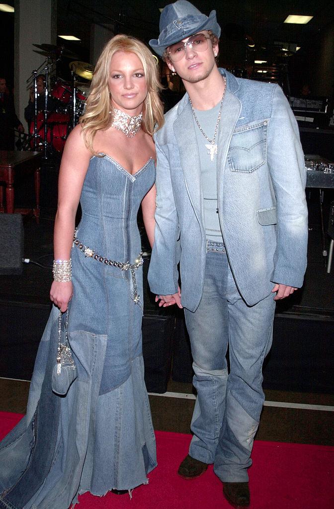Britney Spears és Justin Timberlake a 2001-es AMA-gálán