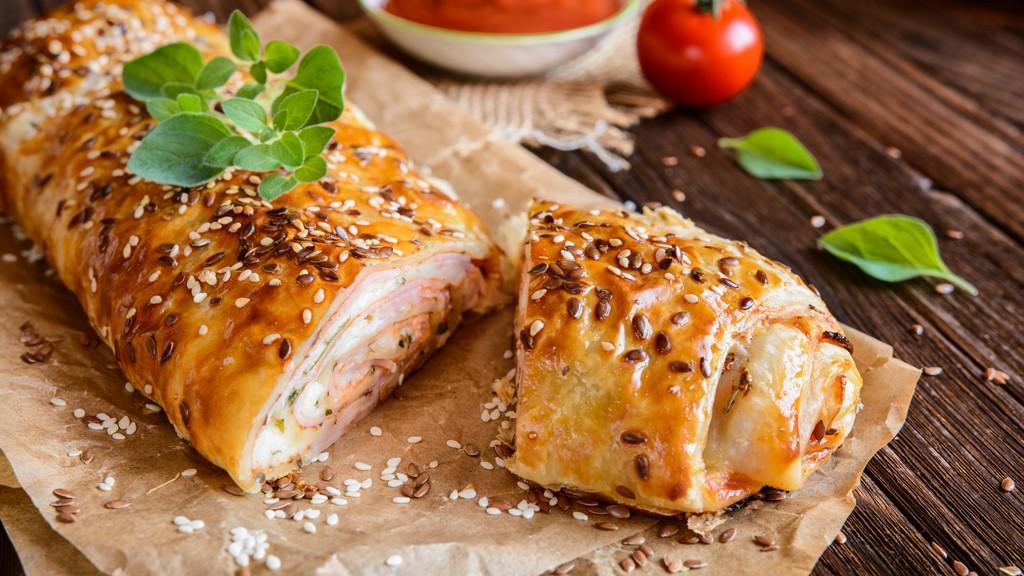 Húsvéti sajtos-sonkás rétes