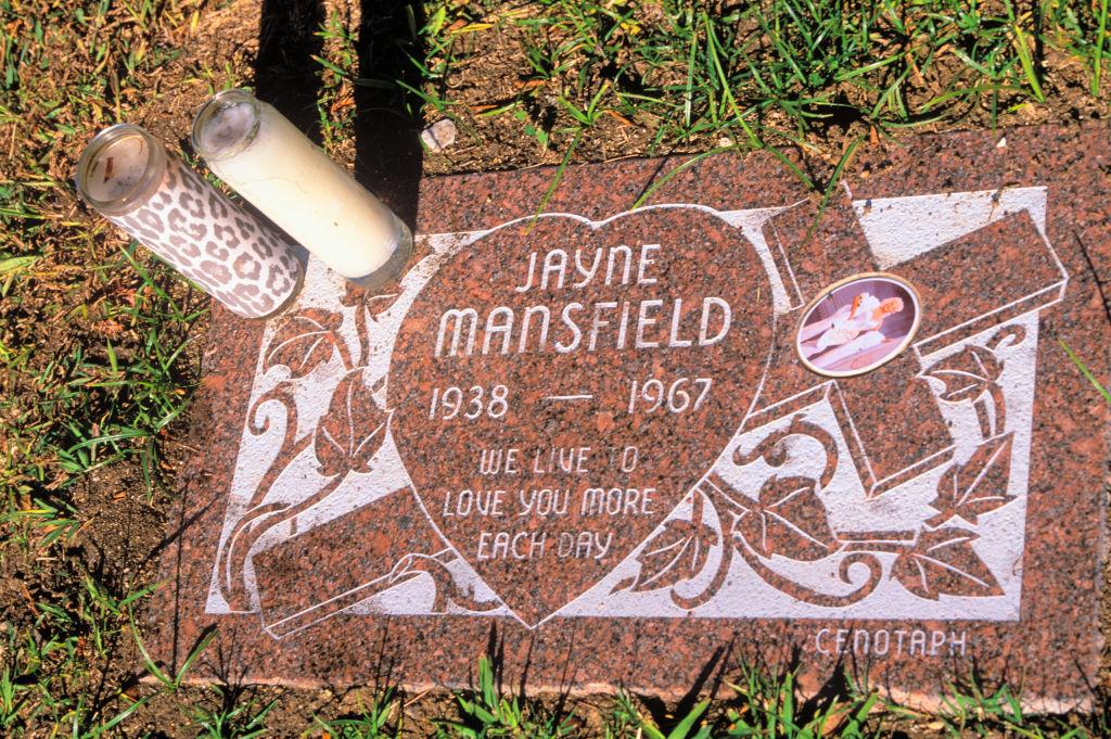 Jayne Mansfield sírköve