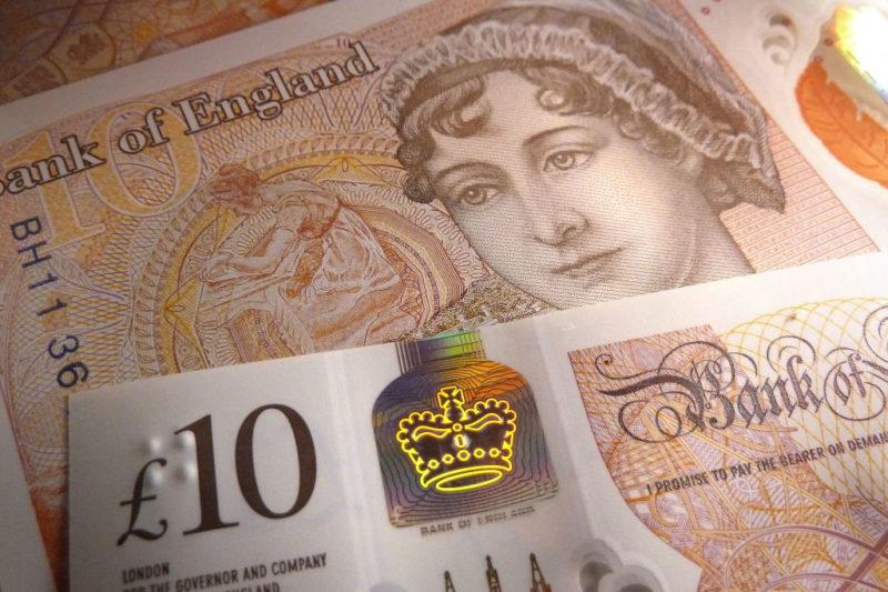 Anglia, 10 font
