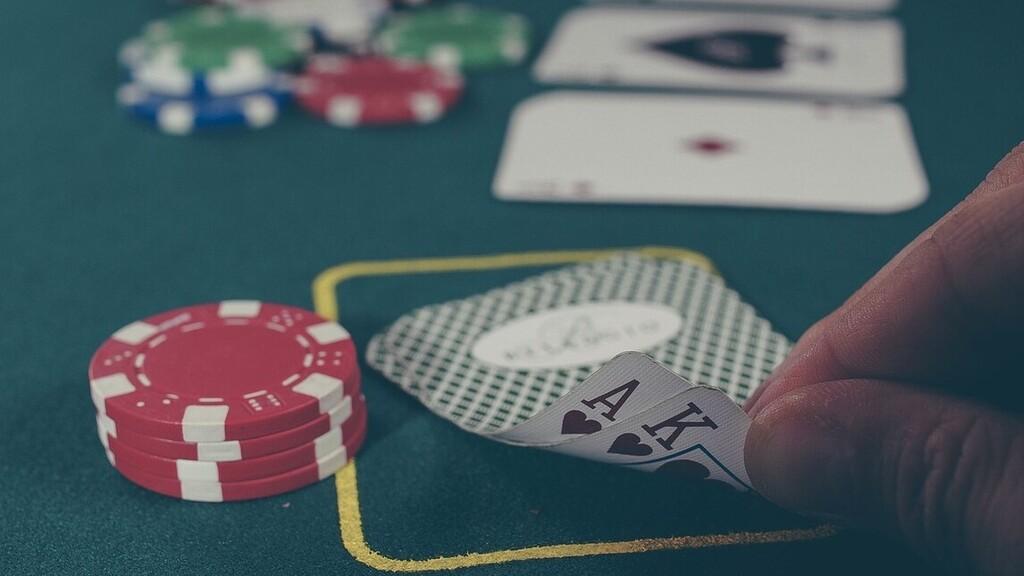 Bezárnak a kaszinók is