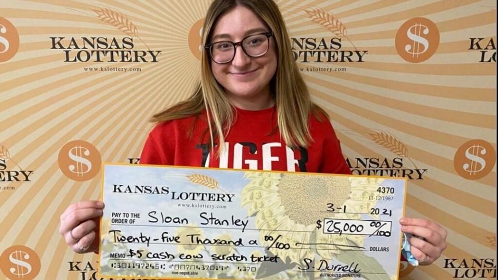 Nagyot kaszált élete első lottószelvényével a 18 éves kansasi lány