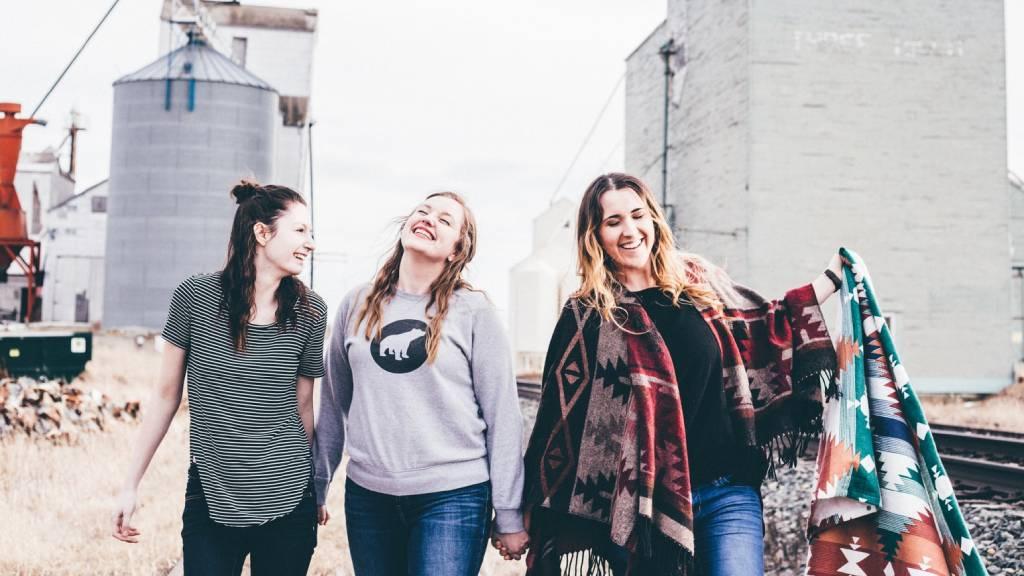 három barátnő