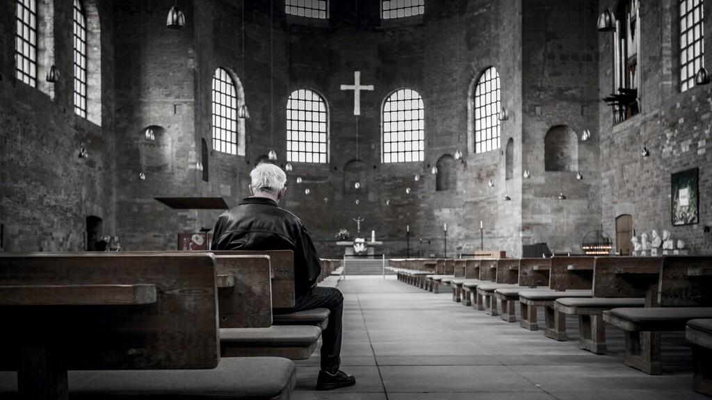 Továbbra is lehet nyilvános miséket tartani a katolikus templomokban