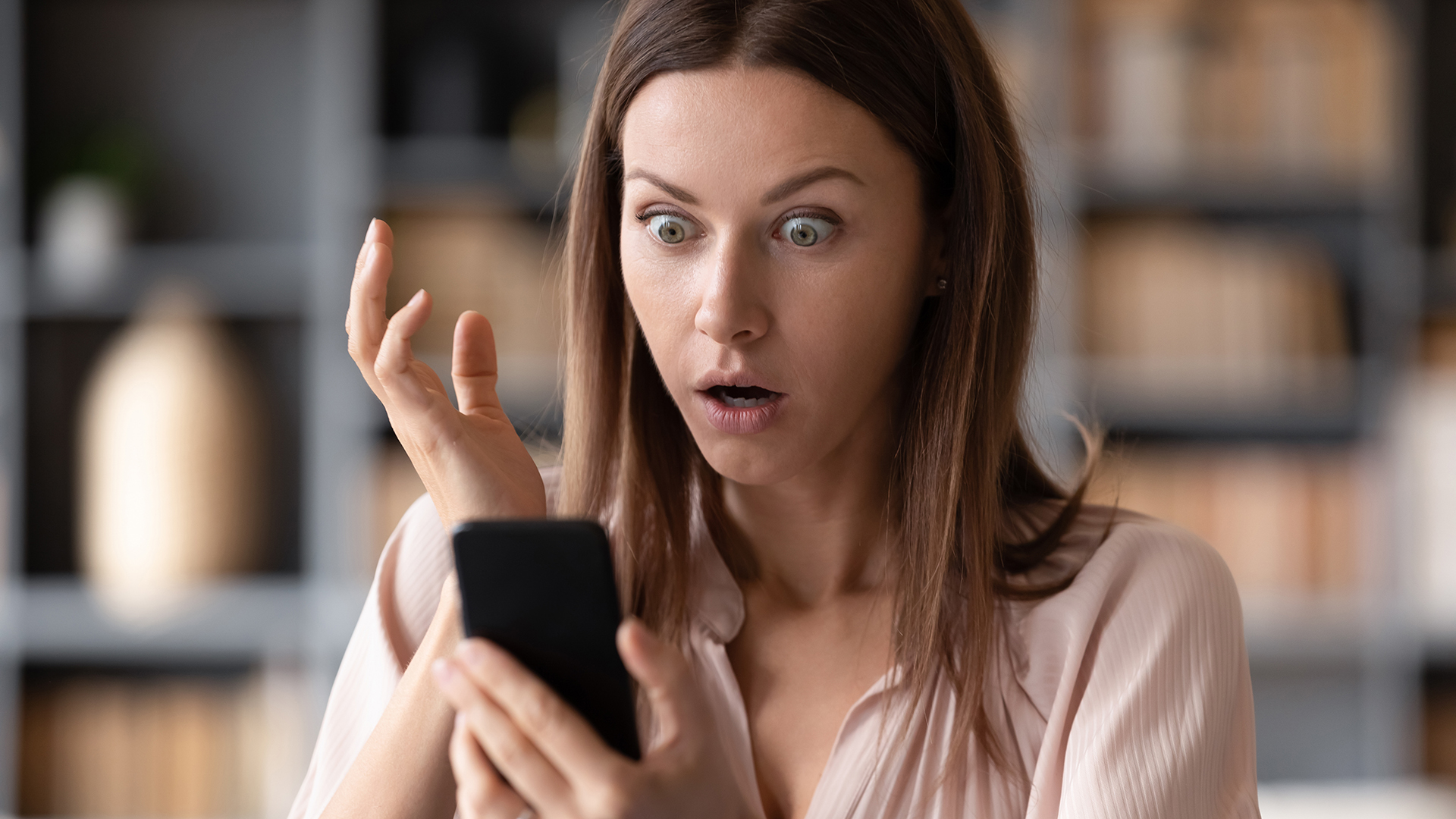 Több százezer magyar kaphatott a csalók sms-éből