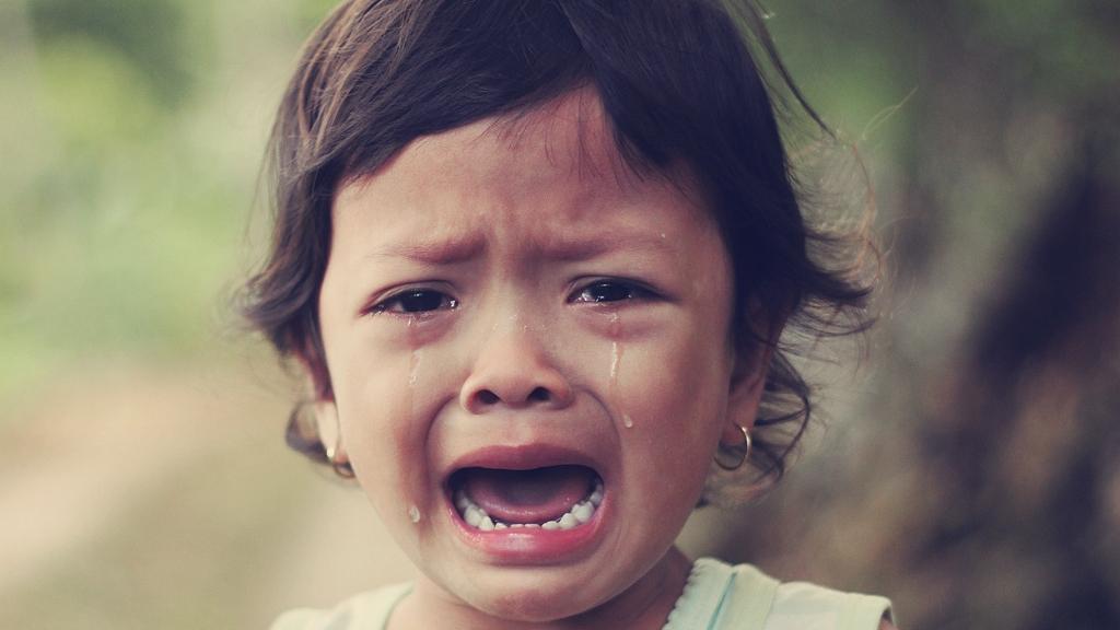 síró gyerek