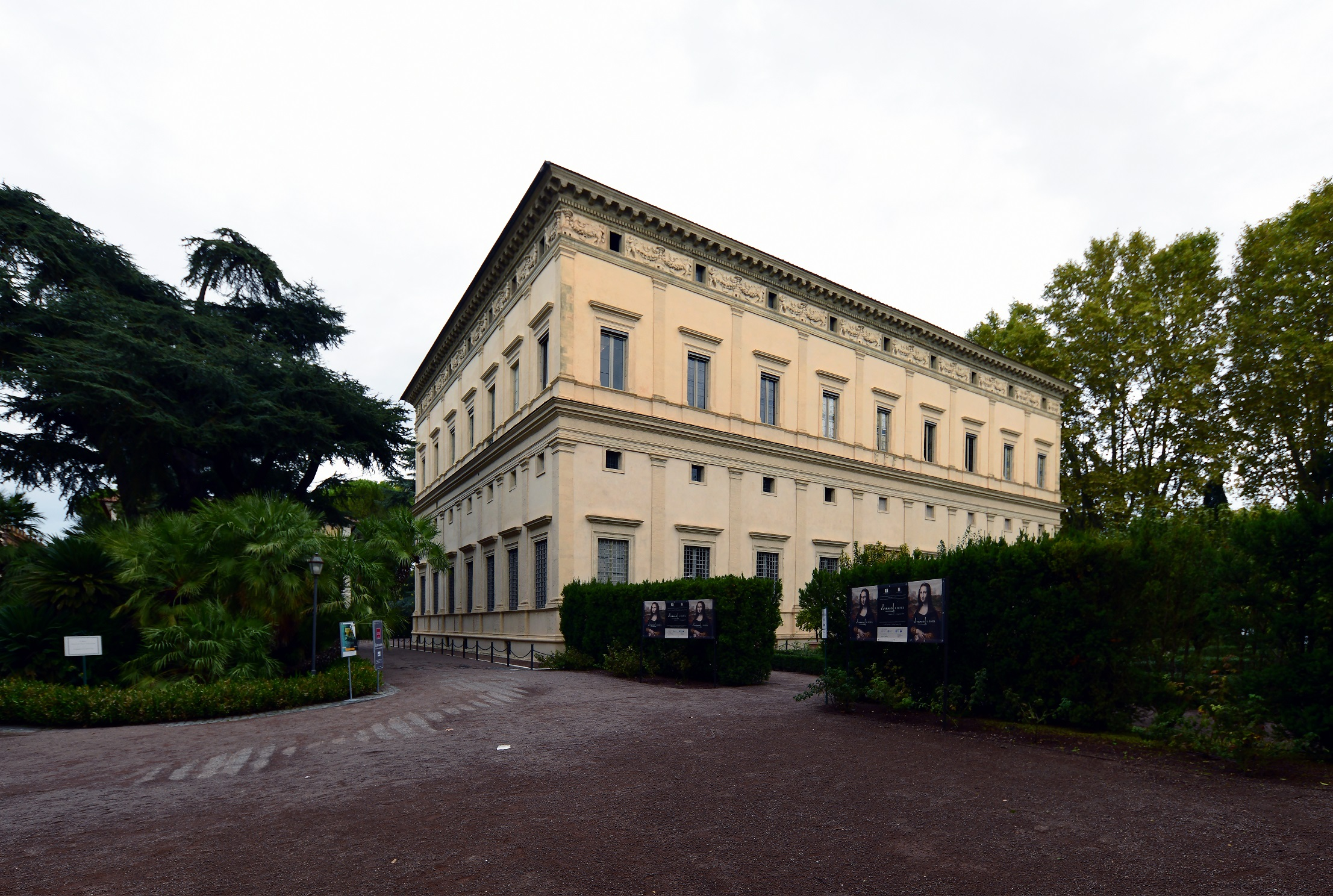 A Villa Farnesina ma (fotó: Wikipedia)
