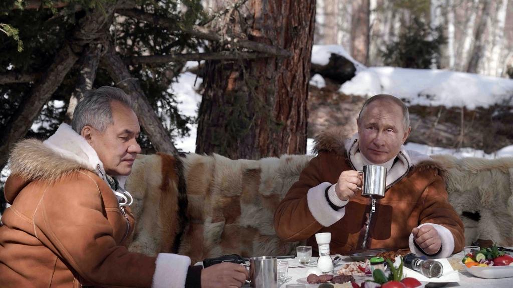 Putyin kotányival fűszerez