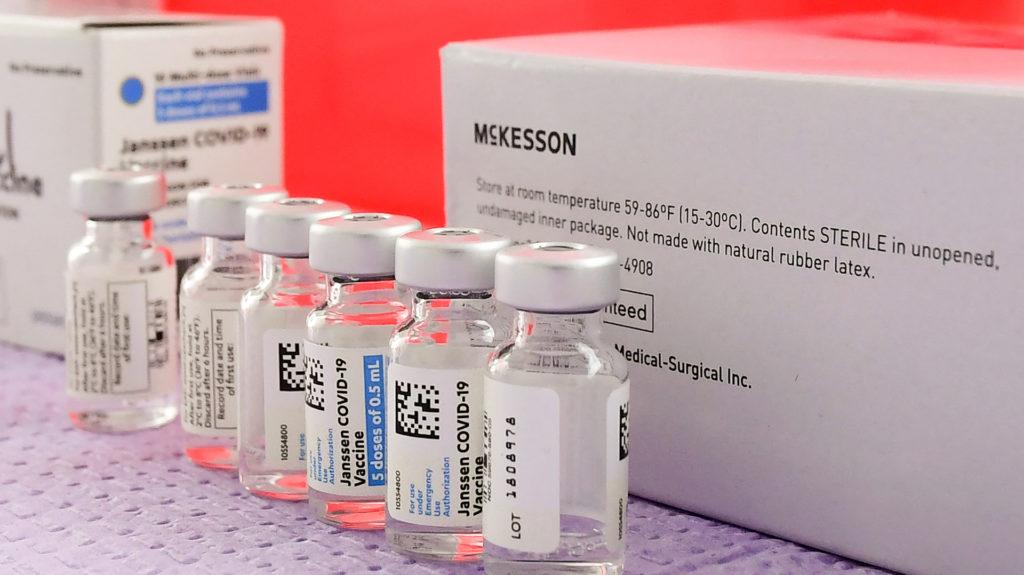 28800 egydózisú Janssen-vakcina érkezik Magyarországra kedden